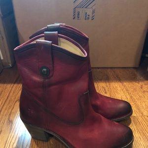 Frye women's boots 7 medium new